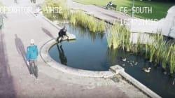 Cette vidéo hilarante de personnes qui marchent, textent et tombent a une fin