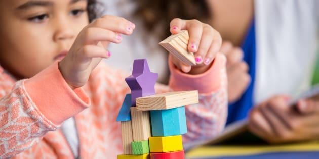 Pourquoi il faut absolument améliorer le contenu éducatif enseigné aux jeunes enfants dans les crèches.