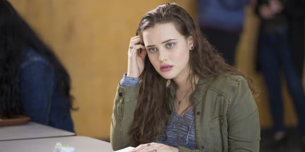 """Hannah, personagem de """"13 Reasons Why"""", dá sinais de que quer se matar ao longo da série."""