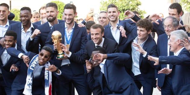 Comment Macron s'est approprié les Bleus en oubliant les Français.
