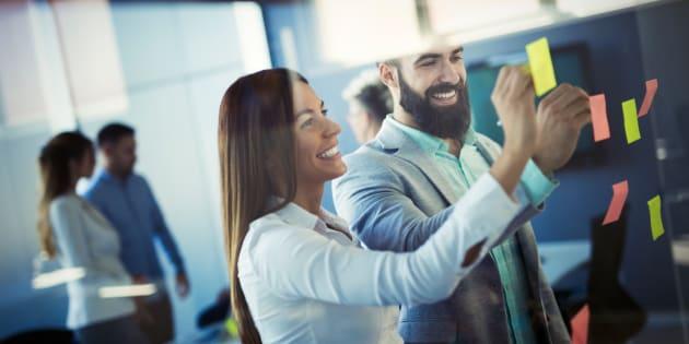 Según la bolsa de trabajo OCCMundial, hace felices a los empleados y provoca que su productividad se eleve hasta en un 33%.