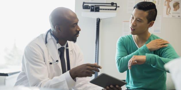 Passer d'un vocabulaire biomédical à des descriptions plus terre à terre peut sembler inoffensif, mais cela aurait des implications profondes pour la prestation des soins.