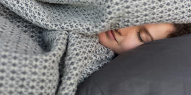Perché per dimagrire devi dormire di più (e mettere la svegl