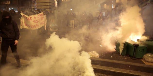 Affaire Théo: Manifestation tendue contre les violences policières à Barbès, des gaz lacrymogènes tirés