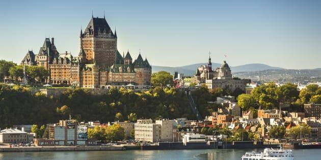 Les avantages d'un nouveau lien à l'est sont nombreux. L'opportunité est évidente d'ouvrir l'est de la ville à un nouveau lien qui aura pour effet d'atténuer l'impact d'une éventuelle fermeture du pont de Québec.