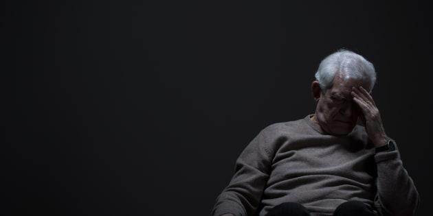 Pensionato uccide la moglie malata di Alzheimer e poi si suicida