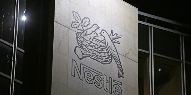 Nestlé France annonce la suppression de 400 postes, en pleine campagne de Macron sur l'attractivité de la France.