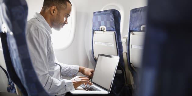 Vous pourrez finalement continuer de voyager aux États-Unis avec votre ordinateur dans l'avion