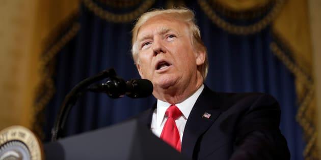 Trump sconfitto, il Senato boccia la revoca dell'Obamacare