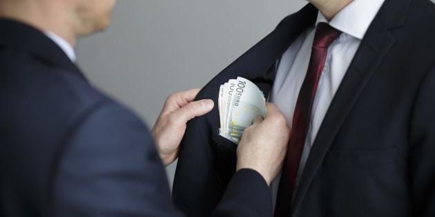 España, entre los países que investigan poco o nada los sobornos de sus empresas en el extranjero