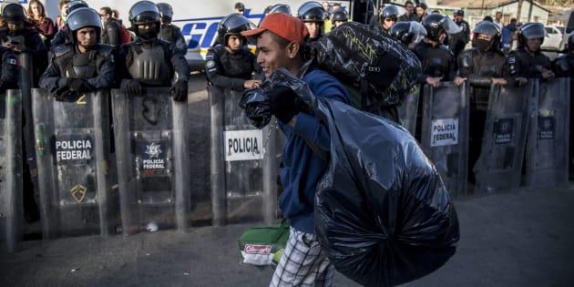 Se han ubicado aproximadamente 370 puntos de cruce ilegal no documentado de personas, informó Olga Sánchez Cordero, por lo que se está determinando en cuáles de ellos es posible instalar al INM, para el trámite de registro y admisión de migrantes.