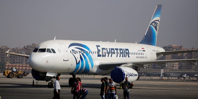 Un airbus A320 d'Egyptair sur le tarmac de l'aéroport du Caire en 2016 (photo d'illustration).