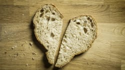 'Breadcrumbing' Is The New Ghosting. Here's What That Actually