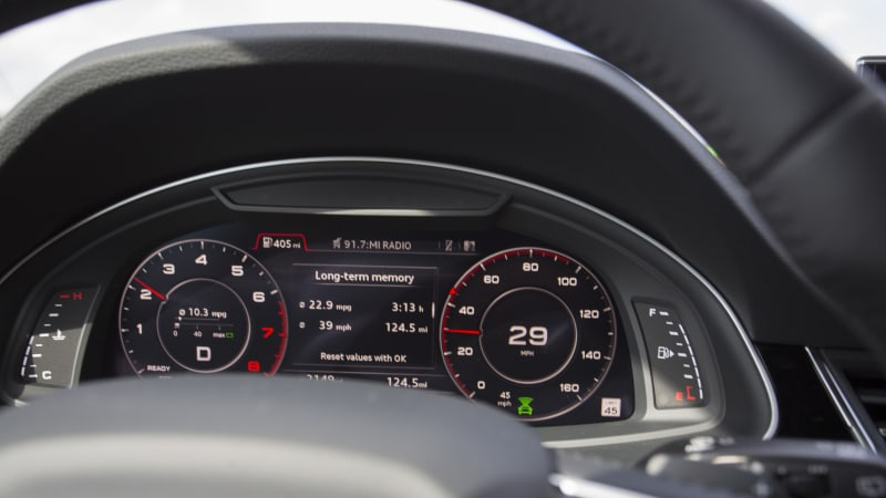 The Audi Q7 doesn't want me to speed and I'm not totally