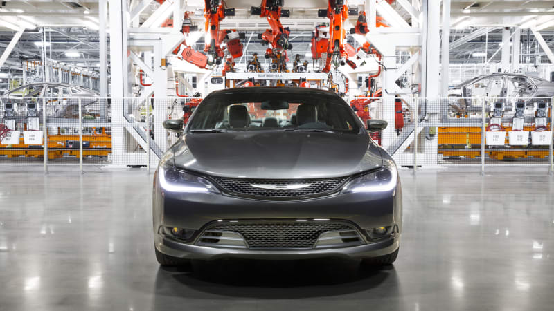 Sterling Heights Chrysler >> Poor Chrysler 200 Sales Blamed For 1 420 Layoffs In Sterling Heights