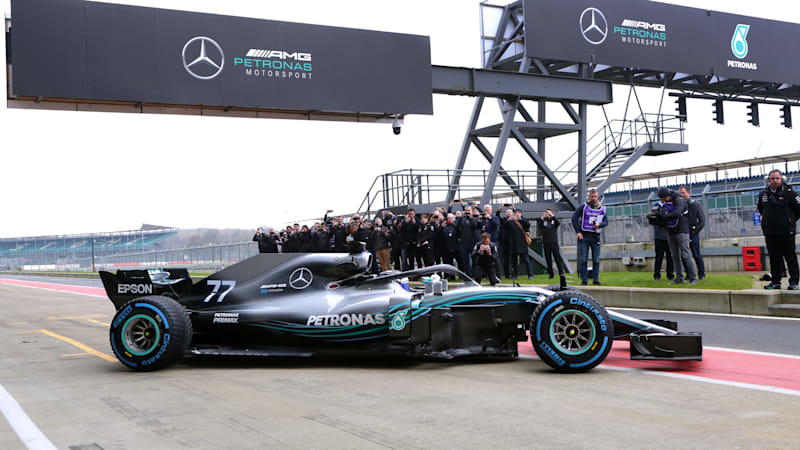 Mercedes Amg Reveals Its W09 Formula 1 Car For 2018 Autoblog