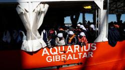 I sindaci di Barcellona e Valencia offrono i loro porti alla nave