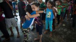 Los niños de la caravana migrante: débiles, con fiebre y