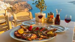 La Grèce a le vin dans les voiles au