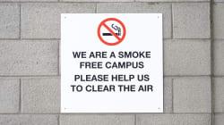 Les campus sans fumée sont de plus en plus nombreux au