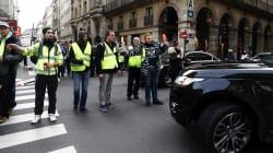Raduno a sorpresa dei gilet gialli a Parigi, scontri sugli Champs Elysees. Fermato il leader Eric