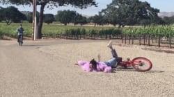 Cette chute de Kendall Jenner à vélo mérite ses 4 millions de