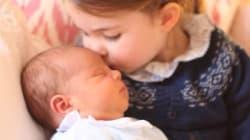 Il bacio di Charlotte a Louis nelle prime foto del terzo royal baby, scattate da mamma