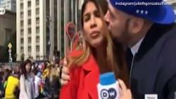 Il tifoso la bacia e le tocca il seno in diretta. La giornalista continua: