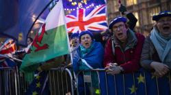 Les députés britanniques rejettent un Brexit sans