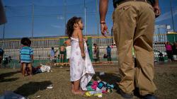 Si quieren asilo en EU, que esperen en México: Trump a