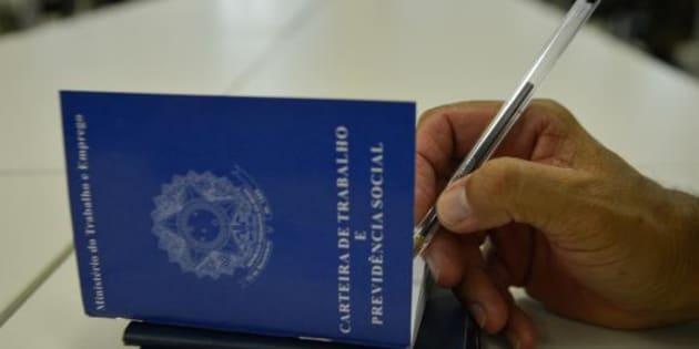 Legislação aprovada por deputados complica ainda mais realidade do mercado de trabalho no País.