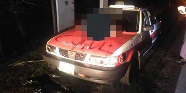 Dejan 5 cabezas humanas sobre taxi en Veracruz
