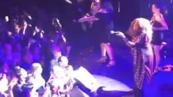 Gloria Gaynor a donné un concert en France pendant la Coupe du monde, et ce qui devait arriver