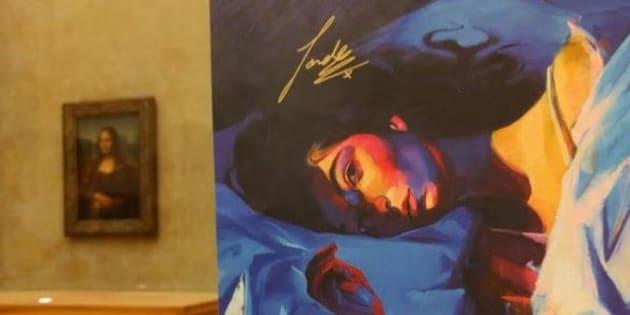"""Cette fan de Lorde a accroché une lithographie de """"Melodrama"""" au Louvre, là où il appartient"""