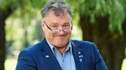 Rod Culleton Is Sick Of The Government 'Mowing His Grass' In WA, Defies Senate