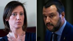 """Ilaria Cucchi: """"Voglio incontrare Salvini, fargli abbassare quello sguardo"""". Il ministro replica:"""