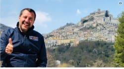 INVINCIBILE ARMATA - Salvini raggiante: