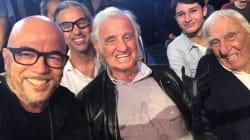 Hollande, Belmondo et Obispo s'invitent au combat de Tony