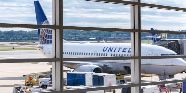 Un Marshal de l'armée américaine a ordonné au jeune couple de quitter ce vol United Arlines.