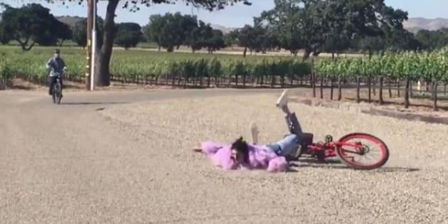 Cette chute de Kendall Jenner à vélo mérite ses 4 millions de vues