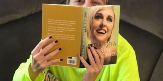 """Nadia Toffa presenta il suo libro: """"Il cancro una sfiga"""