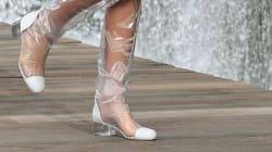 La tendance des chaussures en plastique ou l'enfer du pied qui