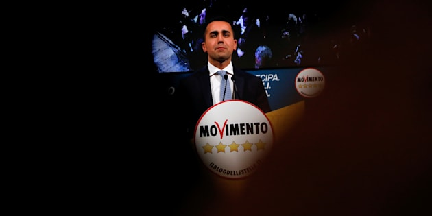 5-Star Movement leader Luigi Di Maio speaks during an electoral rally in Caserta, Italy February 23, 2018.  REUTERS/Ciro De Luca