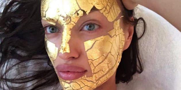 Donc les Anges de Victoria's Secret se font des masques à la feuille d'or 24 carats