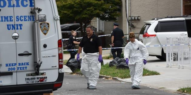 """À New York, trois bébés et deux adultes poignardés dans un """"centre de naissance""""."""