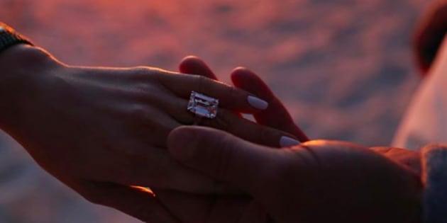 Un joueur de baseball affirme que son fiancée la trompe — Jennifer Lopez