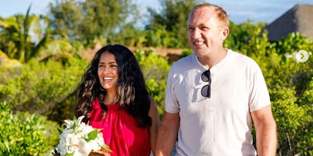 Mariés en 2009, Salma Hayek et François-Henri Pinault ont renouvelé leurs vœux dans un paysage idyllique.