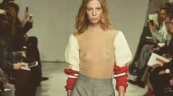 Calvin Klein propose un pull avec des manches...