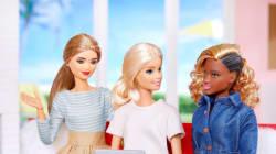 La coiffure de cette Barbie noire suscite une vague