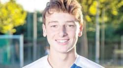 Renzi Jr vuole fare il calciatore. Il figlio dell'ex premier al provino per il Genoa.